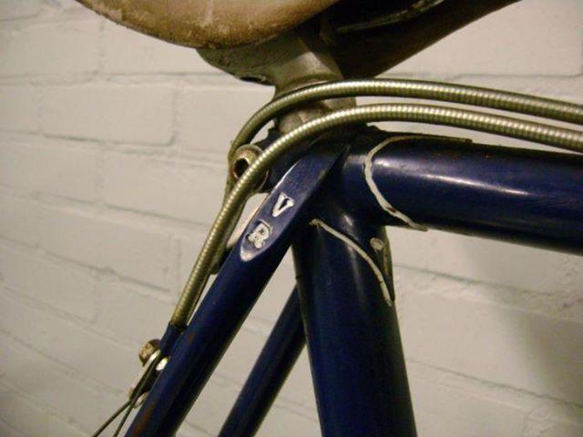 Detail van een Van Raam Cyclocross fiets met VR in de vorkpunten